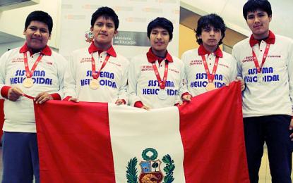 Escolares peruanos ganaron 5 medallas en Olimpiada Mundial de Matemática que se realizó en China