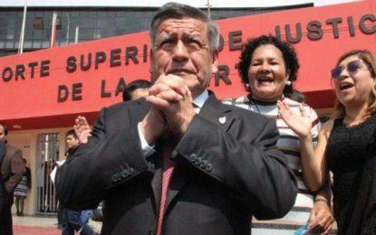 César Acuña fue absuelto por el PJ en el caso 'Plata como cancha'