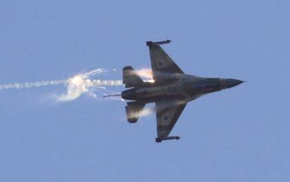 Israel bombardea y destruye batería antiaérea de Siria