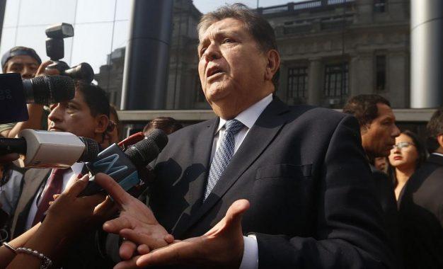Fiscal Pérez solicita impedimento de salida para Alan García