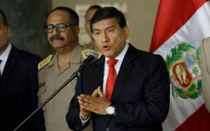 """Ministro del Interior advierte a los delincuentes: """"El policía va a usar su arma de fuego"""""""