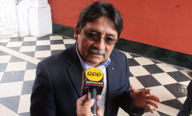 DAVID CALDERÓN, LE PIDE AL MINISTRO DEL INTERIOR  QUE DEVUELVA LOS POLICÍAS A LA LIBERTAD