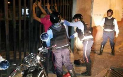 Dos delincuentes atacan a agentes de Seguridad Ciudadana
