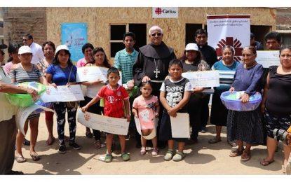 Arzobispo entregó módulos de vivienda a familias damnificadas