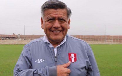 """César Acuña fue absuelto del caso """"plata como cancha"""" durante el partido de Perú vs. Argentina"""