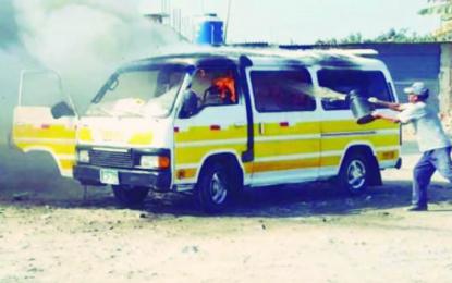 Banda criminal 'La Jauría' quema un segundo vehículo en solo 24 horas