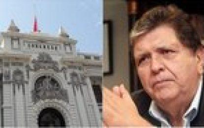 Congreso pone bandera a media asta por muerte de Alan García
