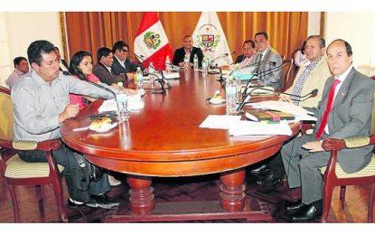 """Dante Chávez: """"Rosa Bartra no debe atribuirse investigación de Chavimochic"""""""