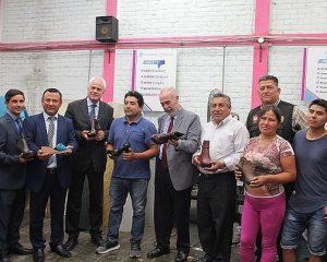 Embajador de Italia visita fábrica de calzado en El Porvenir