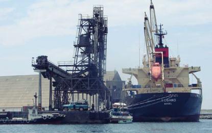 Exigen mesa de diálogo para evitar conflictos sociales ante concesión del puerto Salaverry