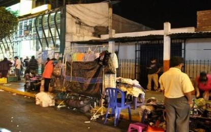 Comerciantes Informales invaden calles de Trujillo