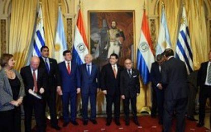 Argentina, Uruguay y Paraguay postularán como sede del Mundial 2030