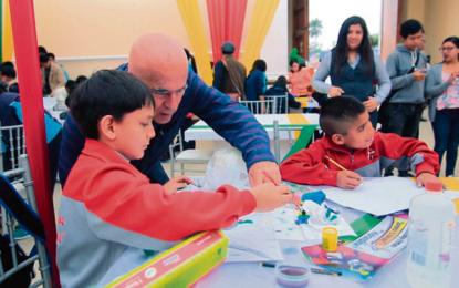 """Se realizó el IV Concurso de Dibujo y Pintura, """"Iluminando tu navidad"""", para niños especiales."""