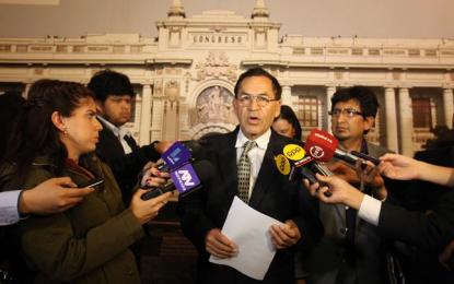 Piden desistir a Keiko Fujimori de su intención de destituir a Pablo Sánchez